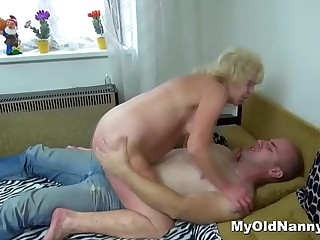 Meaty blonde grandma fucked by a horny mouth-to-mouth guy